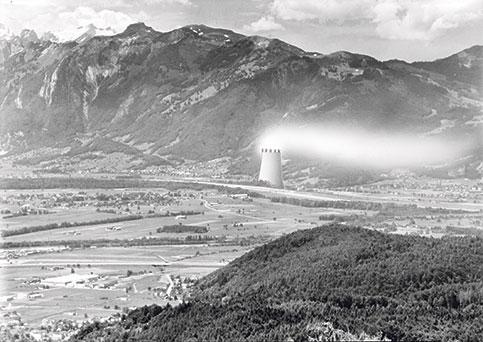 Fotomontage des geplanten Atomkraftwerks im benachbarten Rüthi