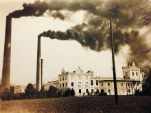 Kraftwerk von Jenny & Schindler in Bregenz–Weidach, um 1910. Bei Wassermangel musste der Dampfbetrieb den Strom erzeugen.