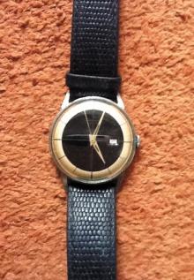 """Junghans, Atomzeitalter, Wirtschaftswunder und Petticoats – da sagte Kanzler Adenauer nach kurzem Blick auf die Uhr zu seinem Chaffeur: """"Jupp, gebense Jas"""""""