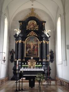 Hochaltar in Ludesch mit der Darstellung des heiligen Sebastian