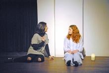 """Jugendtheater. Theaterproduktion """"Andri – Ich bin nicht anders. Ich will nicht anders sein"""" des Gymnasiums Schillerstraße im Frühjahr 2016 im Theater am Saumarkt."""