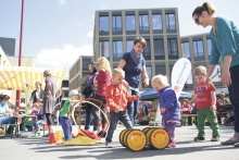 Urbaner Lebensalltag, Beispiel am Garnmarkt, Götzis: Leben und Arbeiten in einer Stadtlandschaft mit all ihren Facetten.