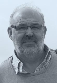 Werner Bundschuh  geboren 1951, ist seit 1991 Obmann der Johann-August-Malin-Gesellschaft. Er war AHS-Lehrer und unterrichtet seit 1983 am Studienzentrum Bregenz. Mitbegründer der Vorarlberger Lehrerinitiative und bis 2016 Mitarbeiter bei _erinnern.at_. Zahlreiche Publikationen zur regionalen Zeitgeschichte.
